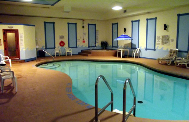 Colonial Resort and Spa indoor pool